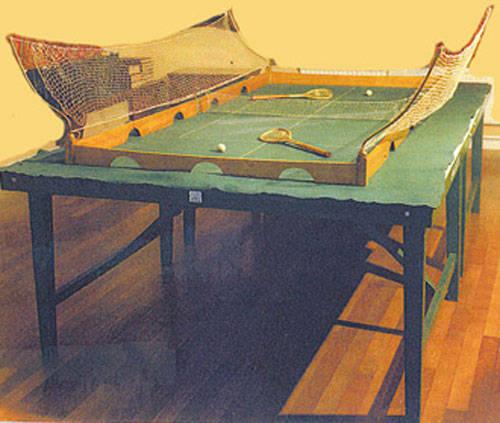 Eerste tafeltennis tafel en bat