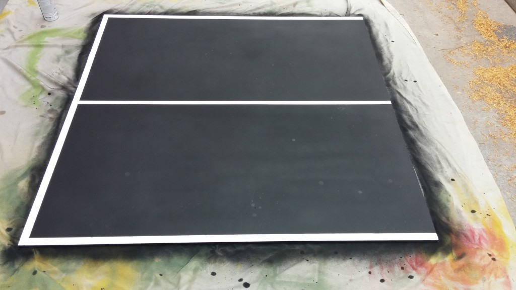 Schoolbordverf voor het maken van je eigen pingpong tafel